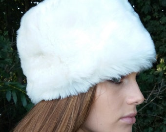 Lovely Luxury Faux fur Russian Pill Box Style Hat in Off White
