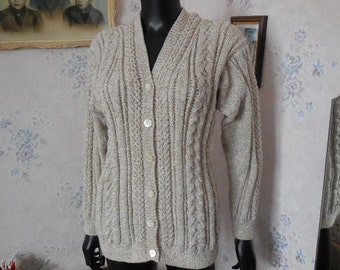 VEST women's knitted handmade - pretty cables and false cables points - honeycomb