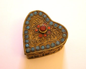 heart set with turquoise and coral/antiquityfrench collection form box