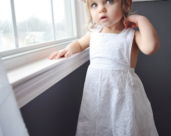 Girls White Hawaiian Dress, Hawaiian Flower Dress, Flower Girl Dress, Girls Special Occasion Dress, White Beach Dress, Birthday Dress,