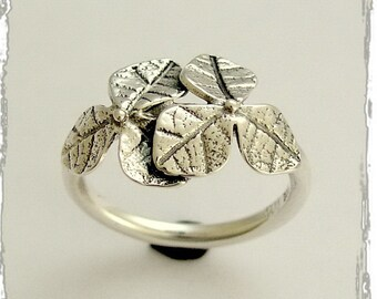 Sterling silver ring, oxidized ring, leaf ring, simple ring,  botanical ring, leaves ring, thin silver ring, silver leaves - Curiosity R1690
