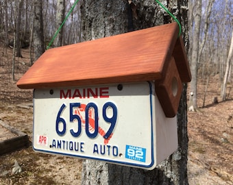 "Handmade, Handcrafted Maine ""Lobster"" Antique Auto License Plate Condo Birdhouse: Two Birdhouses in One!"