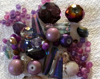 Mixing Mauve purple beads in a box of 20 g