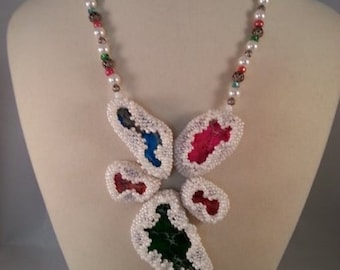 Ruffled Beaded Necklace with Colored Stones