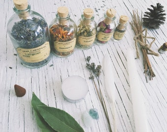 Herbalist set [ Apothecary set ] Green Witch kit / Botanical-Witchcraft-Wicca-Pagan-Lavender-Marigold-Yarrow-Rose-Valerian-sage-ritual-deco
