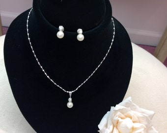 "Elegant Pearl Necklace And Earring Set   ""Buy one get one free"""