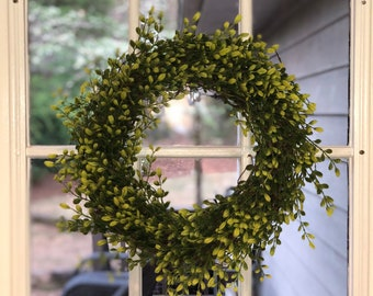 Farmhouse Faux Boxwood Wreath