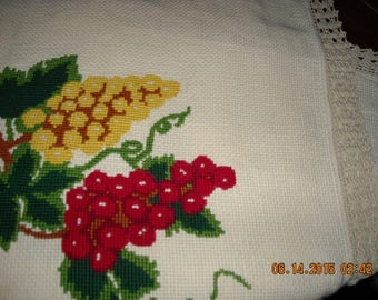 Tablecloth hand embroidered crochet all around