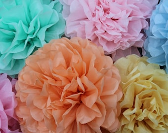 9 Tissue Paper Pom Poms // baby shower decorations // dessert table decorations // 1st birthday party decorations // gender neutral nursery