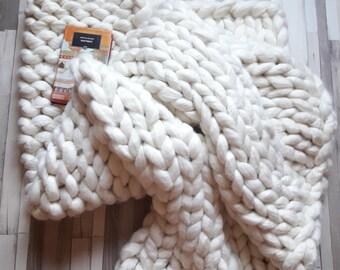 Chunky Knit Blanket | Merino Wool Large Knit Blanket Bulky Super Chunky Extreme Knitting Blanket | Snow White