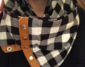 Flannel Snap Scarf