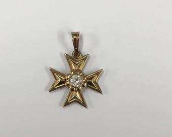Vintage 9ct Yellow Gold Maltese Cross Pendant with Cubic Zirconia