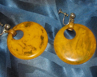 1930s Bakelite Screw Back Earrings, 30s BIG Hoop Bakelite Earrings, Butterscotch or Mustard Yellow Bakelite Hoop Earrings, 1930s, 1940s