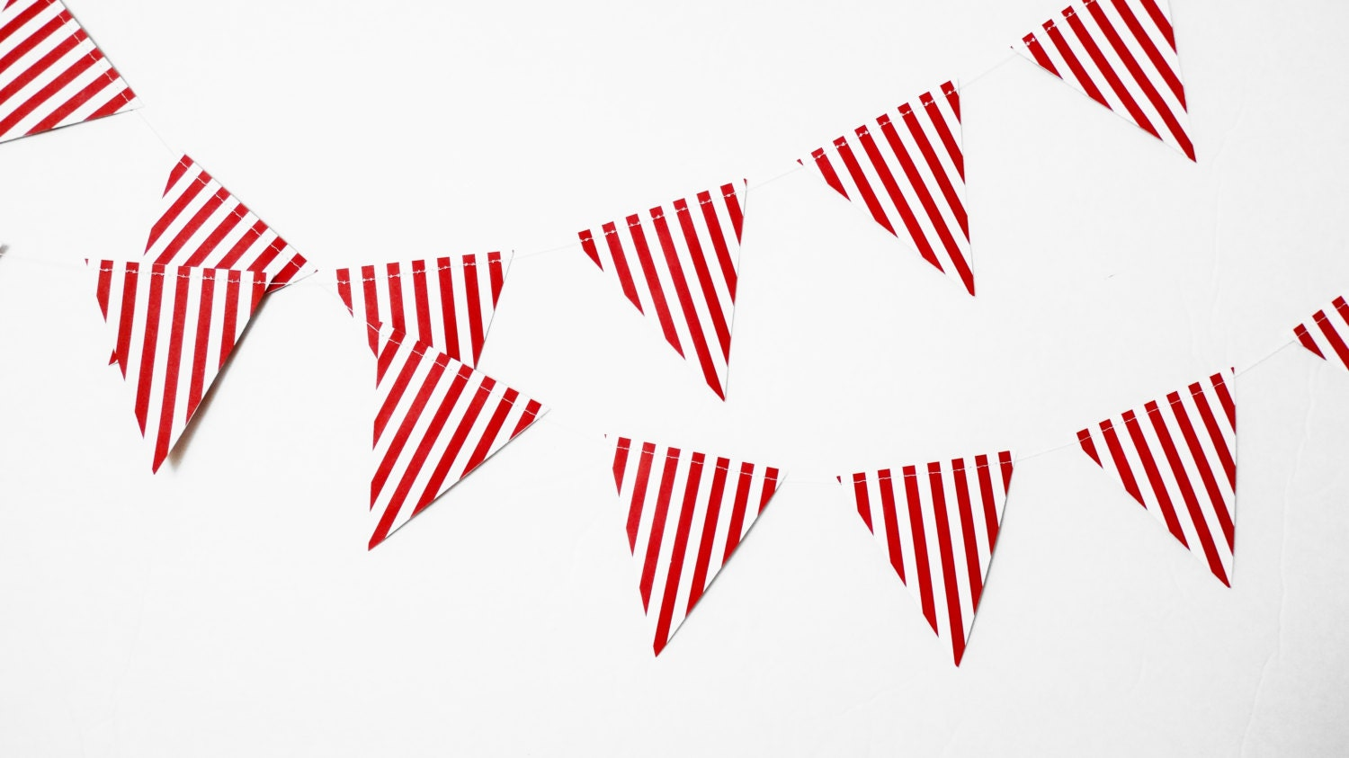 Red and White Stripe Pennant Paper Garland6 FtCanival