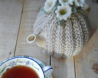 Hand knit tea cosy/ Tea Cozy/ small 2 cup tea / Pretty Possie tea cosy/