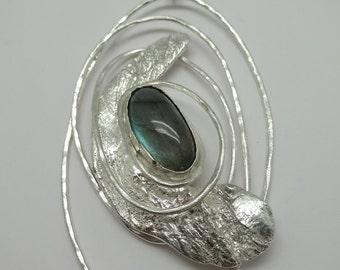 Unique design, hand-made silver pendant/brooch with Labradoriet stone (gol 085)