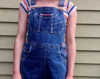 The perfect 90s short overalls!