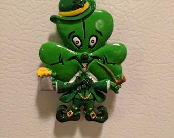 St. Patrick's Day Shamrock Leprechaun Throw Magnet