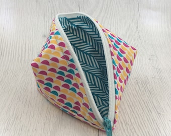 Geometric Turquoise/White/Pink Peapod Pouch Cable Organizer