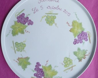 Vine and grape personalized pie plate
