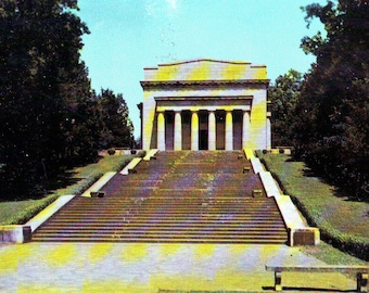 Vintage Abraham Lincoln Memorial Hodgenville, KY,  Unused Postcard