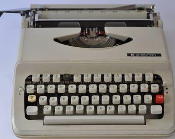 Chevron 63 Working Typewriter, Portable Typewriter, Vintage Typewriter, Beige Typewriter, Manual Typewriter, Retro Typewriter