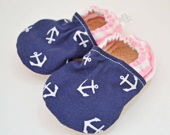 baby shoes - baby booties - toddler shoes - infant shoes - crib shoes - baby booties - baby shoes - hand made baby shoes - pink - anchors