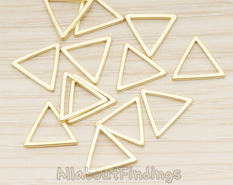 PDT1009-MG // Matte Gold Plated 11mm Triangle Link Pendant, 4 Pc