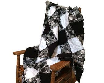 Black & White Flannel Rag Quilt