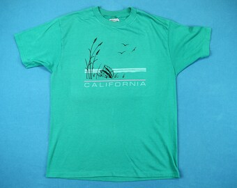 80s California Beach T-Shirt ~ M-L // Vintage, Scenic, Sea Shore, Ocean, Wave, Tourist, 1980s, Green, Tee, Medium, Large