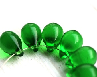 Emerald Green Teardrops, czech glass, green large Briolettes - 10x14mm - 6Pc - 0315