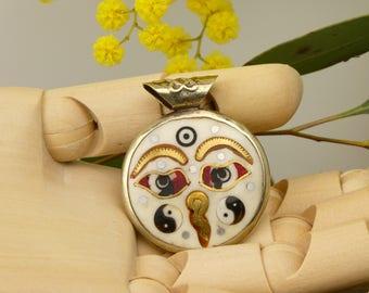 Nepalese pendant: the Buddhas eyes - Nepalese locket