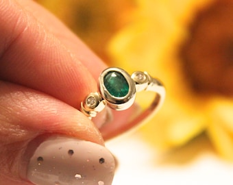 Emerald green engagement ring, VINTAGE ring,  yellow gold engagement ring, Green Emerald and diamonds APPRAISAL INCLUDED