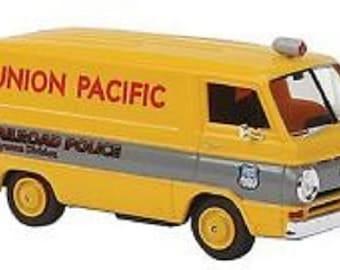Brekina HO * 1964 Dodge A100 UNION PACIFIC Police Van * #34359