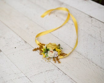 Flower bracelet in yellow Floral bracelet Bracelet on satin ribbon Bracelet for bride Bracelet for bridesmaid Romantic bracelet Autumn