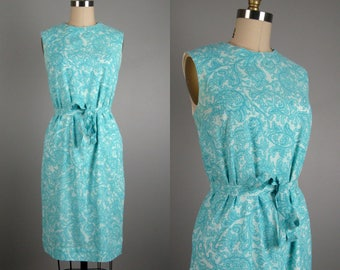 CLEARANCE // Vintage 1960s Shift Dress 60s Blue Paisley Summer Dress With Tie Belt Size S