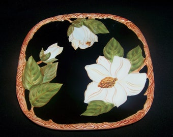 Artimino Magnolia Charm Magnolia on Black Square Luncheon Plate