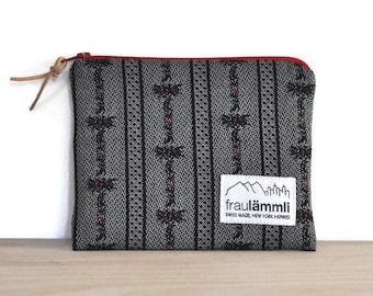 Edelweiss cotton zipper pouch black / Swiss fabric zipper bag / make up bag / jewelry bag / Alpine chic bag / traditional swiss bag