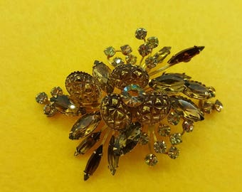 Jonquil and Amber  Rhinestone and Navettes Art Glass  large Mid Century   Brooch  Sparkling Rhinestones