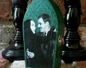 The Addams Family Morticia & Gomez Addams Keepsake Coffin Box