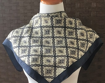 Liberty of London Scarf/ Vintage Scarf/ 23 Inch Scarf/ Vintage Liberty of London/ Square Neck Scarf/ Vintage Scarves