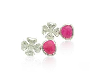 Boucles d'oreilles fleur de fuchsia mariage rose et argent, boucles d'oreilles mariée fleur d'argent, noces d'argent rose bijoux, bijoux de naissance octobre