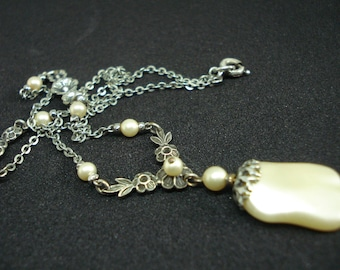 Art Deco Necklace Faux Pearl Glass  1920's 1930's