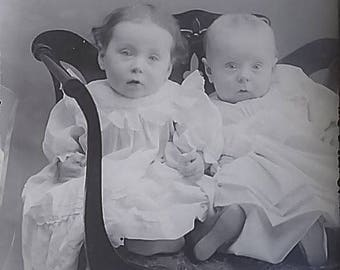 """Fraternal Twins Adorable Babies Chair Glass Photo Negative 1890-1920 3"""" x 4"""" #635"""