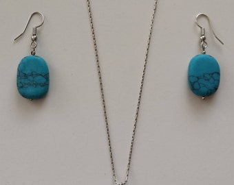 Turquoise Earring & Pendant Set in Sterling Silver.