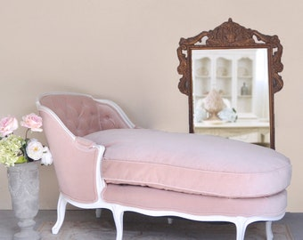 Shabby Cottage Chic Romantic Pink Velvet Chaise Lounge Tufted Furniture  White Wood
