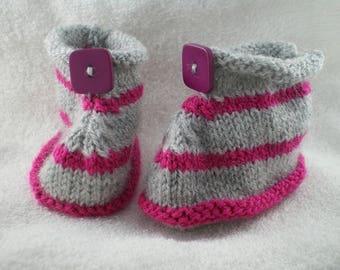 Chaus001 - Chaussons rayés rose et gris
