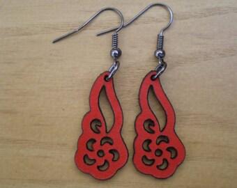 Laser cut leather earrings 03