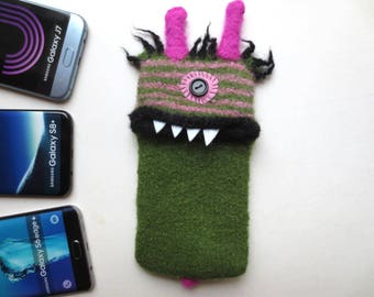 "Smartphone monster ""Aaron"", felted, cellphone bag, sleeve, Samsung Galaxy S 6 Edge Plus, samsung Galaxy S8 +, J7 cell phone monster, felt, wool,"