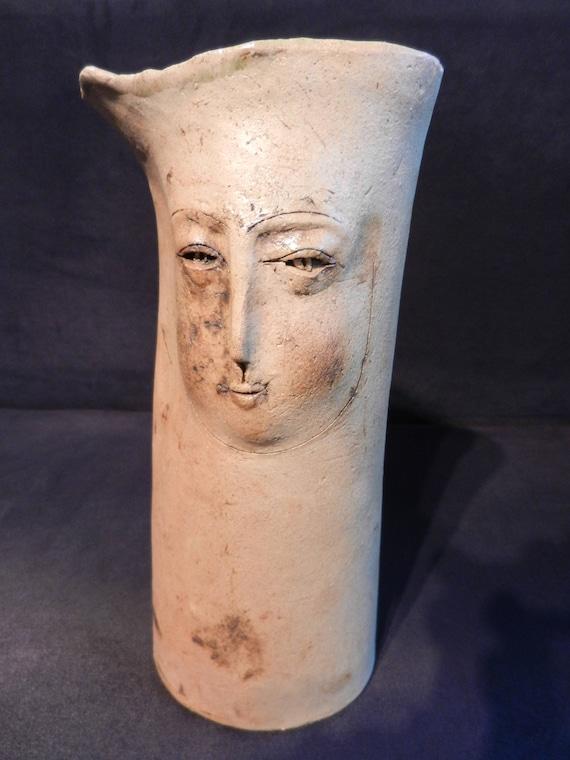 Lieblingsstücke Husum unikat keramikvase braun beige mit gesicht aus husum lucia